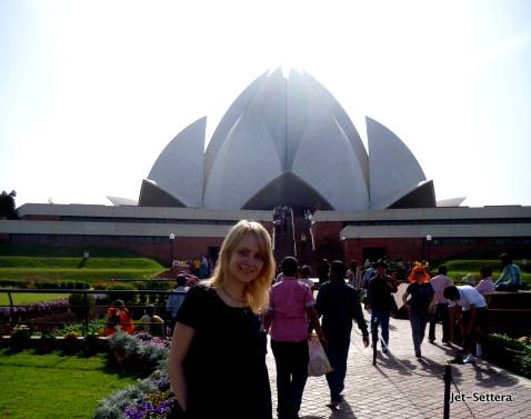 Lotus Temple in New Delhi - Best Places to Visit in India